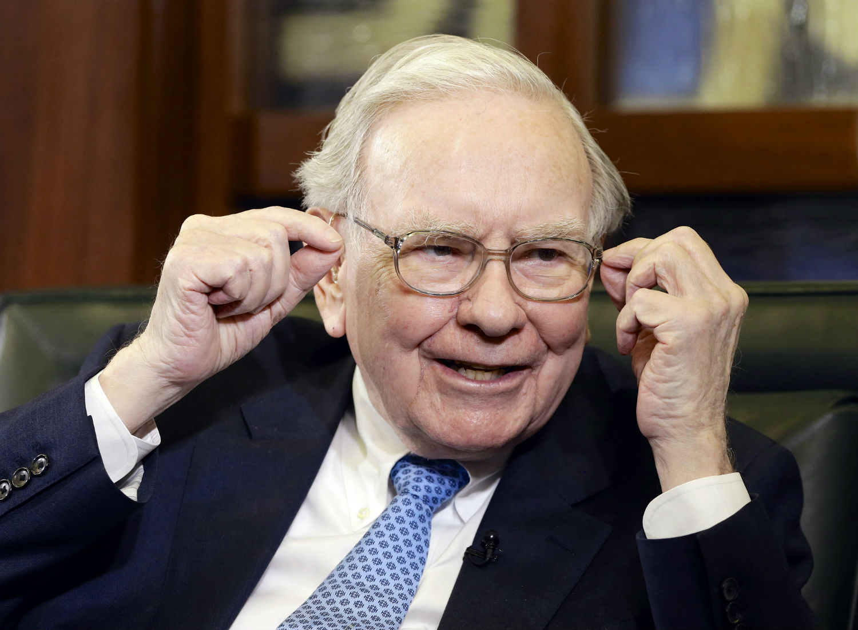 Buffett se declara fan de Bezos y aflora 900 millones en Amazon