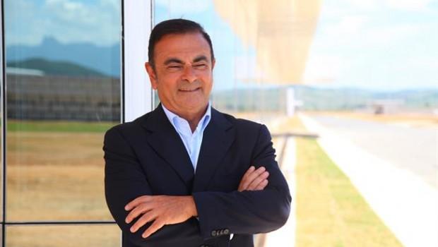 Fiscales de Japón acusan a expresidente de Nissan por esconder ingresos