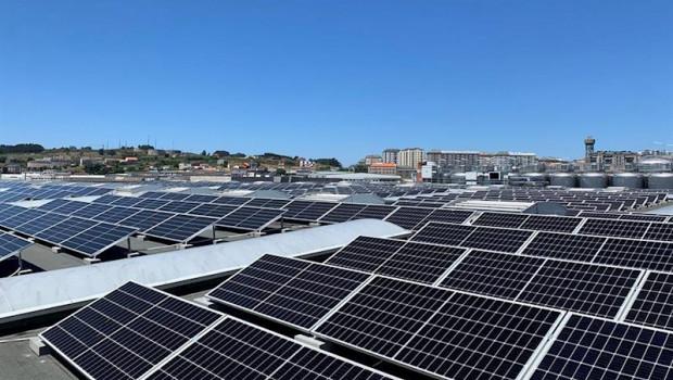 ep estrella galicia instala en su fabrica de a coruna mas de 977 paneles solares para producir y