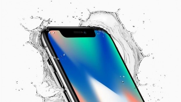 Apple iPhone X Production Slowed by Facial-Recognition Parts Snafu