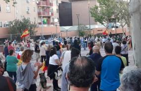 ep decenas de personas protestan contra el gobierno frente a la comandancia de la guardia civil en