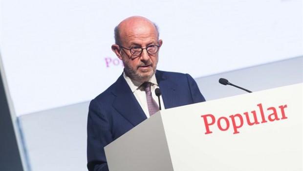 Nuevo golpe a Popular: Fitch recorta su rating y lo sitúa en perspectiva negativa