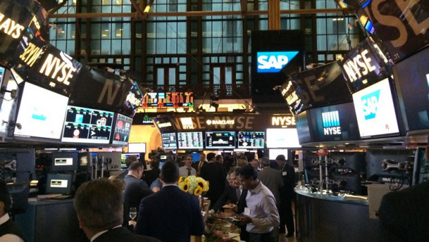 nyse dl us wall street trader trading stocks shares ny n y  new york financial finance  2