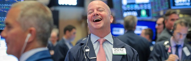 Wall Street sube un 3% tras abandonar Bernie Sanders la carrera presidencial