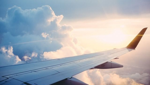 1571297242 plane 841441640