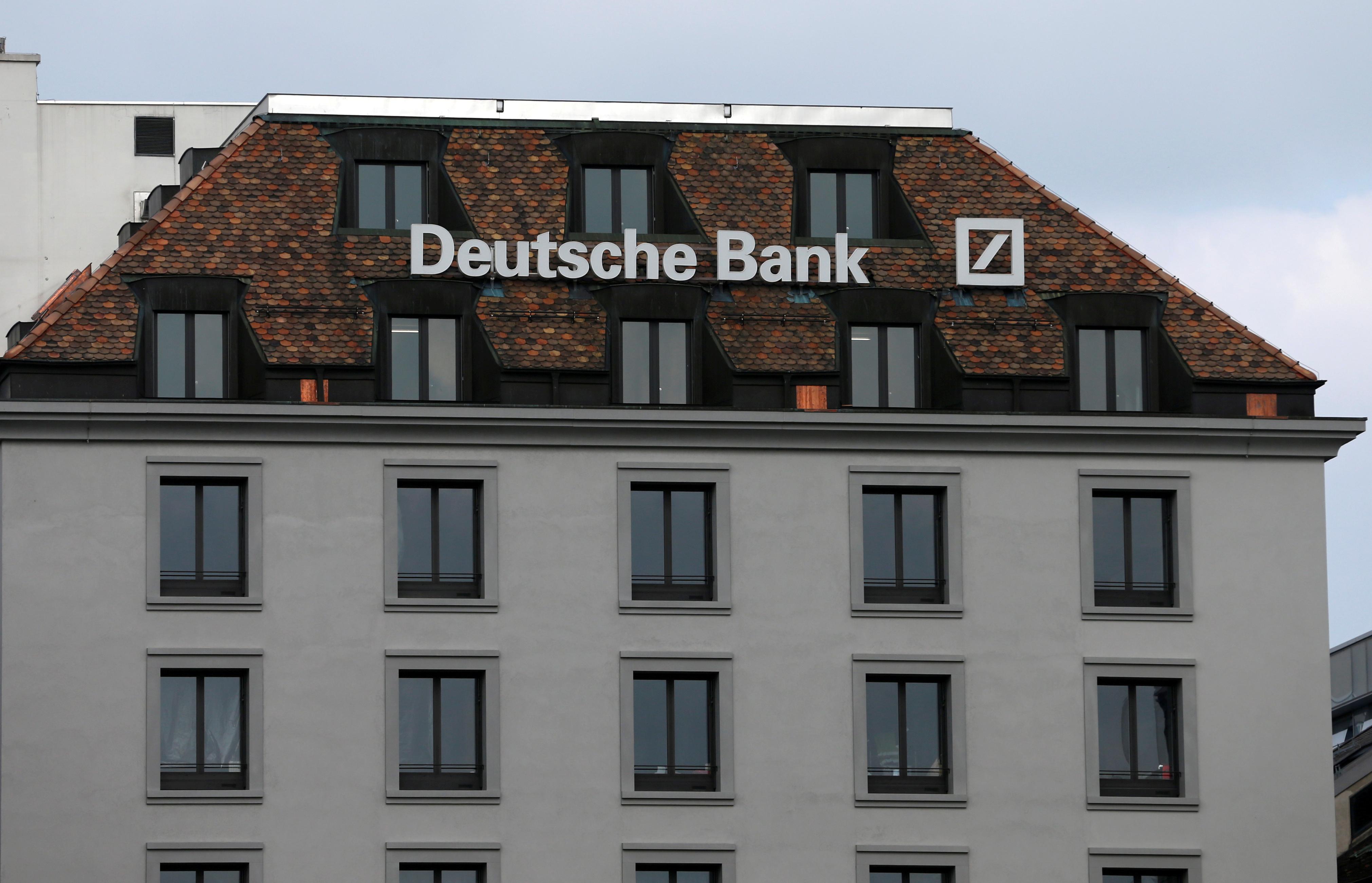 deutsche-bank-envisage-de-se-transformer-en-holding
