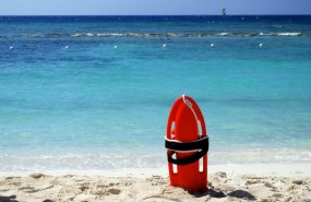 socorrista salvavidas playa
