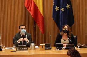 ep el ministro de consumo alberto garzon y la presidenta de la comision de sanidad y consumo rosa