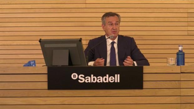 ep el consejero delegado de banco sabadell cesar gonzalez bueno durante la presentacion