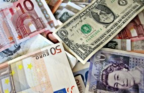Money, cash, banknotes, euros, euro ; dollars, pounds sterling. Image TaxRebate.org.uk