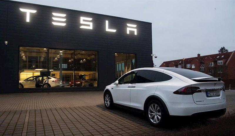 Tesla sigue de rally tras ganarse también el apoyo de Piper y sube un 120% en 2019