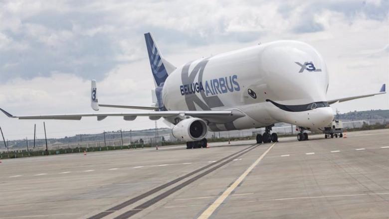 ep archivo   un avion en la pista del nuevo campus de airbus a 15 de abril de 2021 en getafe madrid