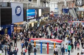 london waterloo station interior rush crowd