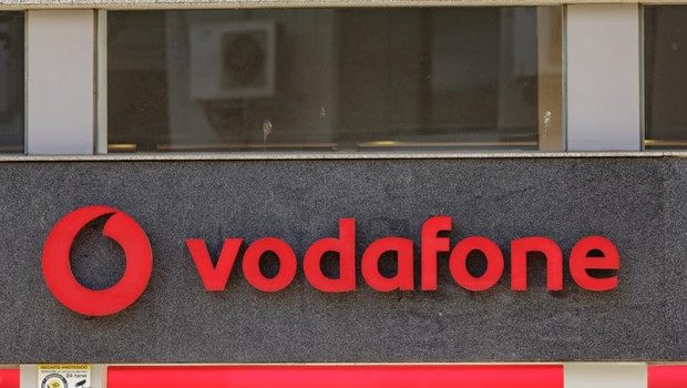 ep vodafone devuelve 900 eurosun usuariocobrarle cuotas superioreslas contratadas durante 13 meses