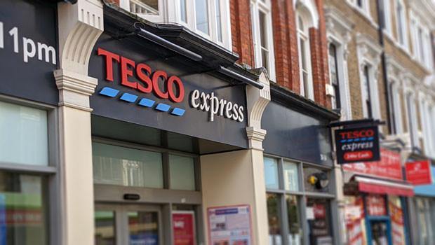 dl tesco express shop sign supermarket
