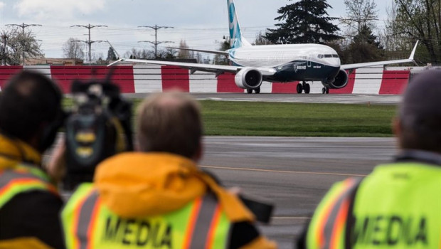 ep faa grounds all boeing 737 max jets in us
