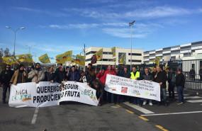 ep agricultores de frutas y hortalizas convocados por coag bloquean plataformas logisticas en malaga
