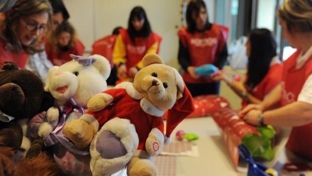 ep la dedicacion63865 voluntariosbanco santander dio apoyomas25000