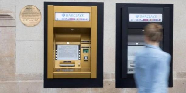 distributeur-billets-guichet-barclays