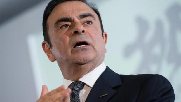 El expresidente de Nissan Motor es acusado de fraude — Es oficial