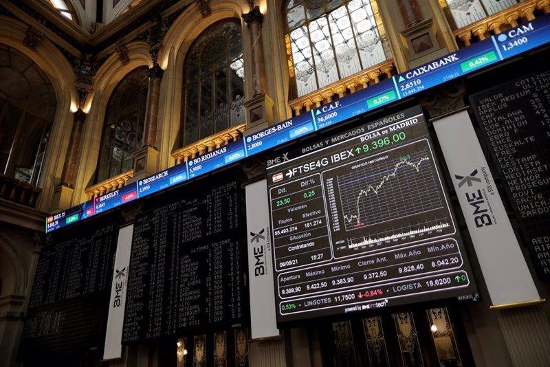 El Ibex cierra una semana marcada por Evergrande y la Fed con subidas del 1,27%