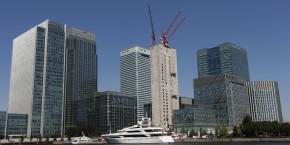canary-wharf-yacht