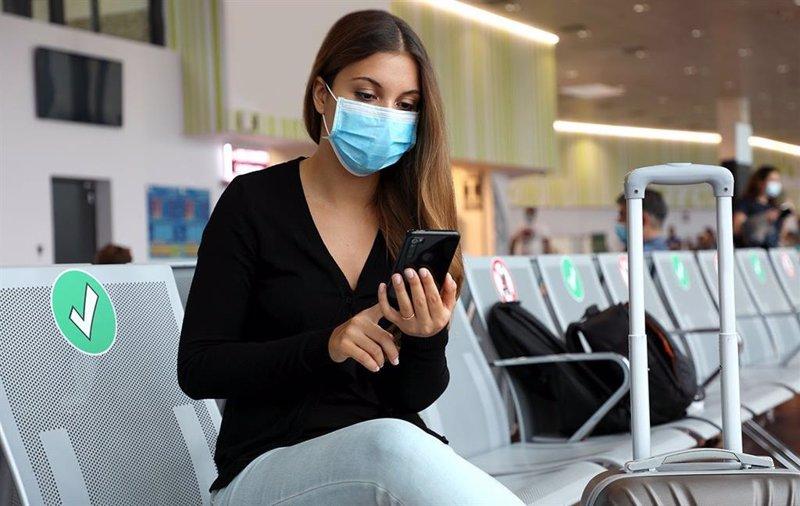 Biden impone la obligatoriedad de las mascarillas en los aviones y aeropuertos