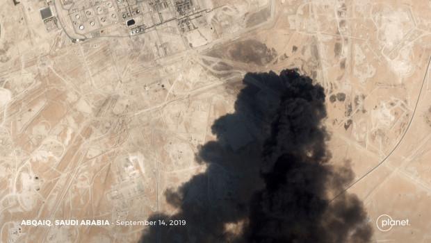 Petróleo mexicano sube 7.12 dólares tras ataque a Arabia Saudita