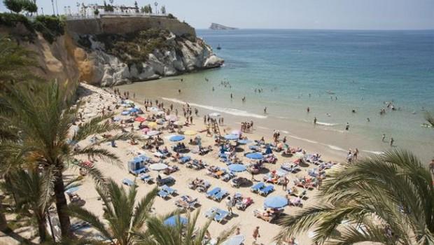 ep turistas playa sol verano