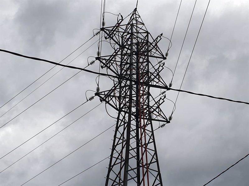 https://img6.s3wfg.com/web/img/images_uploaded/e/d/ep_archivo_-_planta_de_electricidad_luz.jpg