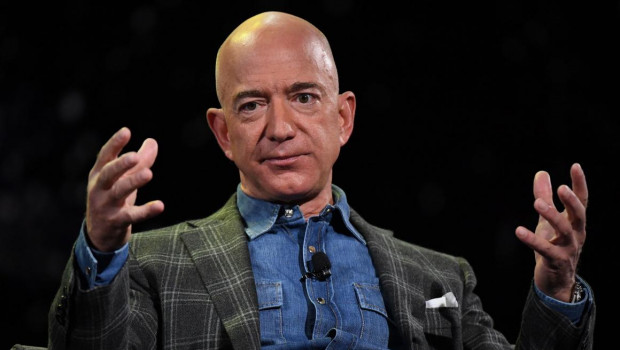 wall-street-expecting-jeff-bezos-and-amazon-once-again-report-strong-earnings-results-thursday