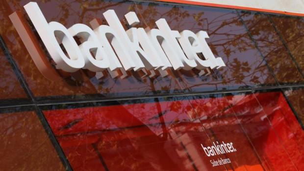 ep letrero del banco bankinter en una de sus oficinas de la capital