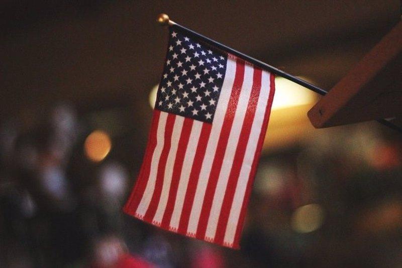 https://img6.s3wfg.com/web/img/images_uploaded/f/b/ep_bandera_de_eeuu.jpg